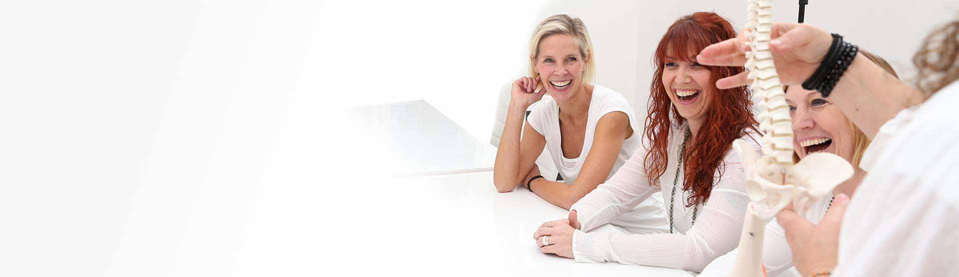 Yogatherapie Ausbildung   Skelett & Muskulatur - WAY Yoga   Werden ...